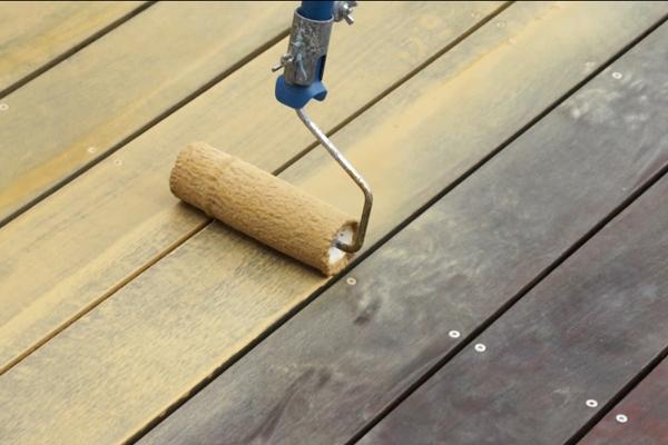 pro  produits entretien du bois Traiter et entretenir une terrasse