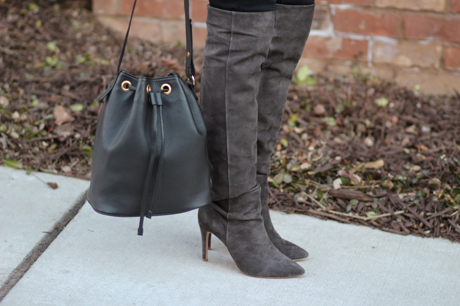 Black-bucket-bag