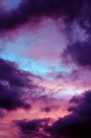 http://2.bp.blogspot.com/-_LqlQD_hntE/TwEFtKFIDkI/AAAAAAAAFV0/wlwzPS1xTtI/s640/purple+sky.png