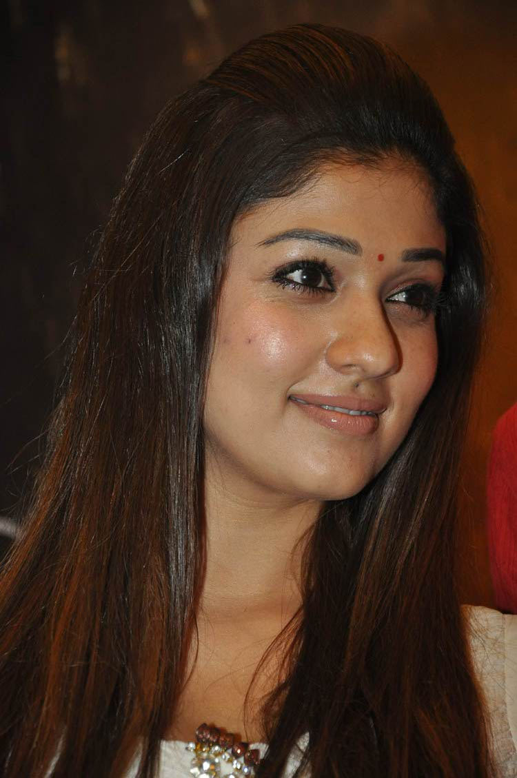 high quality: nayanthara sexy looking photos