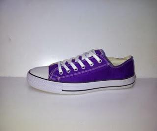 converse clasic ungu,sepatu casual,sepatu sekolah,sepatu santai.