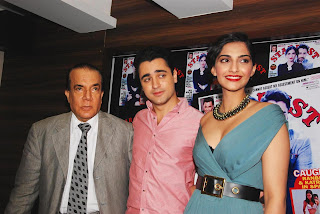 Sonam Kapoor and Imran Khan Launches Stardust Magazine (11).JPG
