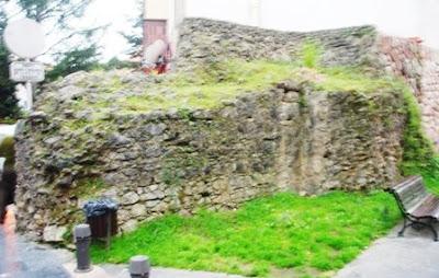 Villaviciosa, tramo de la muralla medieval