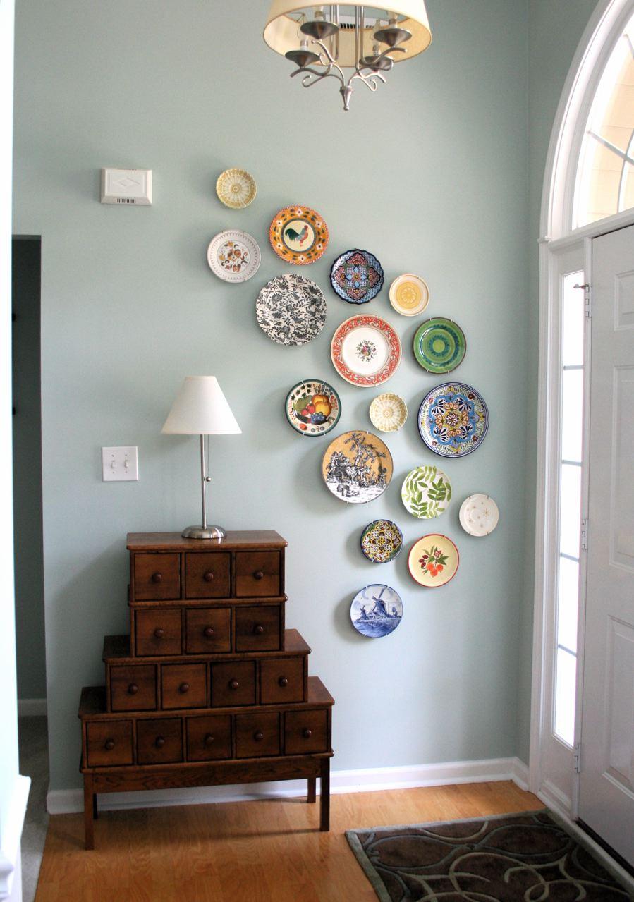 Borden aan de muur - Moderne entree decoratie ...