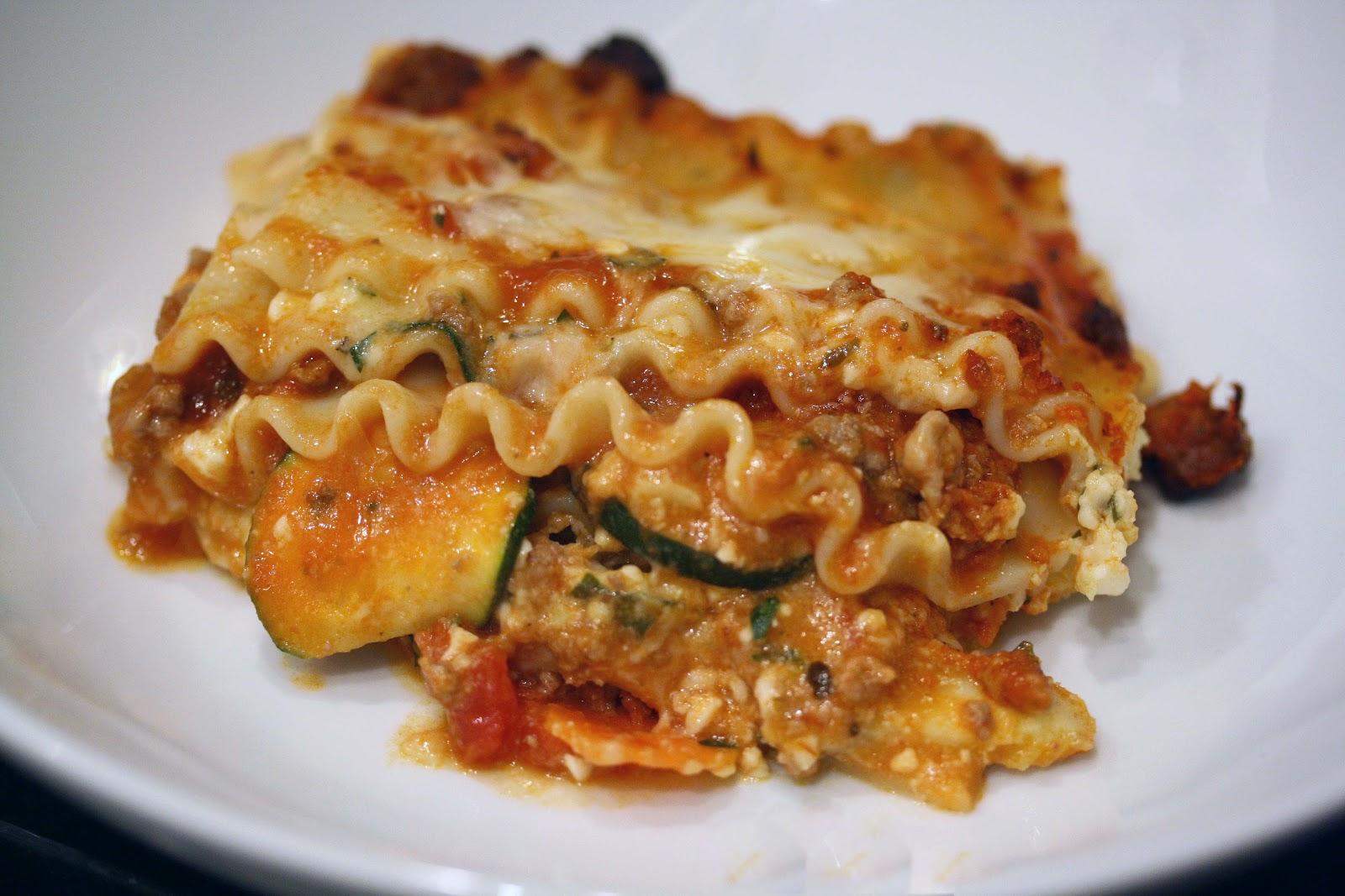 Sweet Foodie: Hearty Beef and Vegetable Lasagna