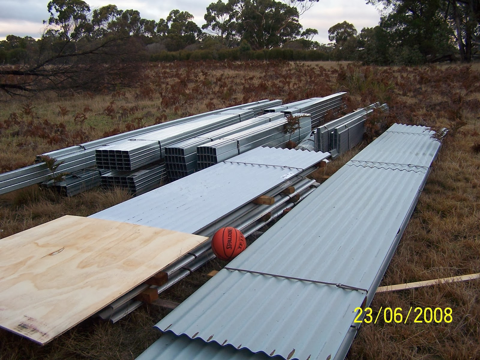 Wide span shed assembly