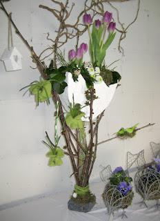 Bloemschikken Voorjaar & Pasen - Raamdecoratie