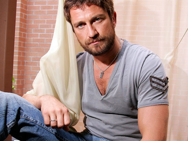 Top 20 Hottest Male Celebrities: Gerard Butler