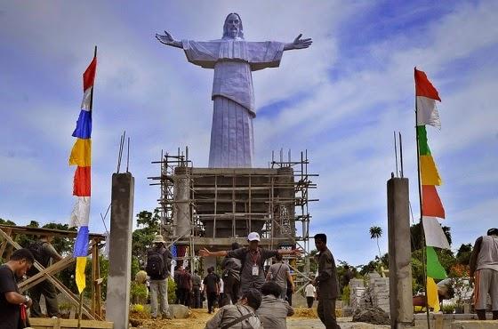 Patung Yesus di Papua