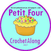 Petit Four crochet