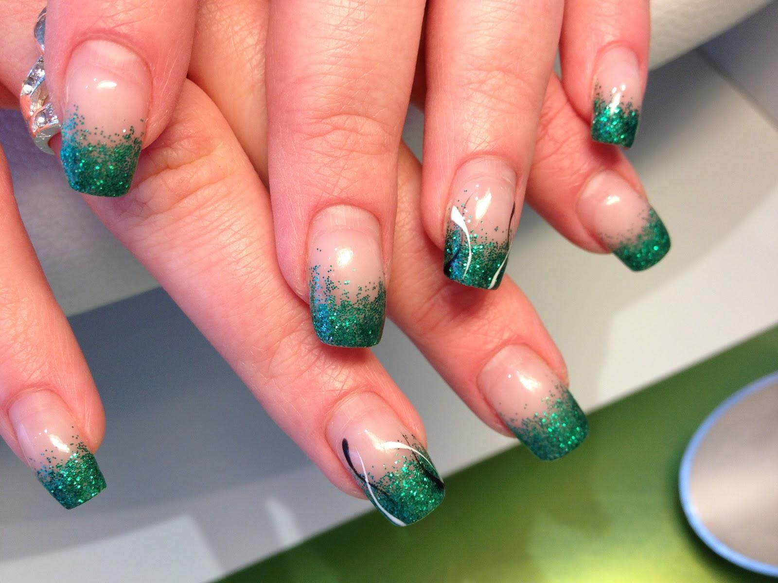 gelefärg naglar