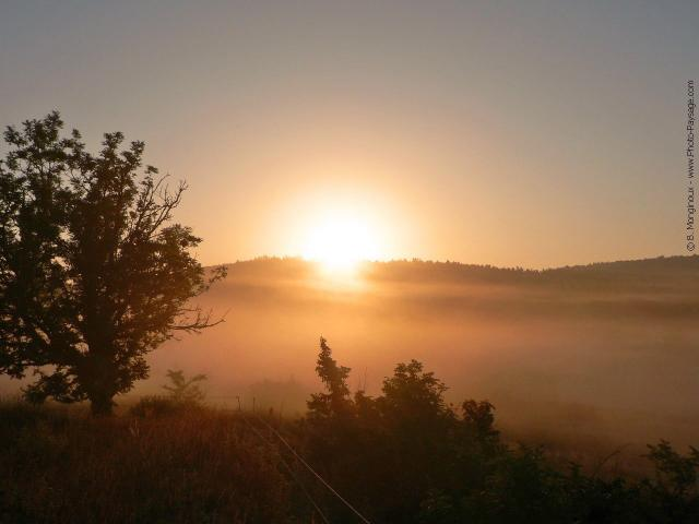 Dawn Normal_France-scenery-Cevennes-dawn-haze-1