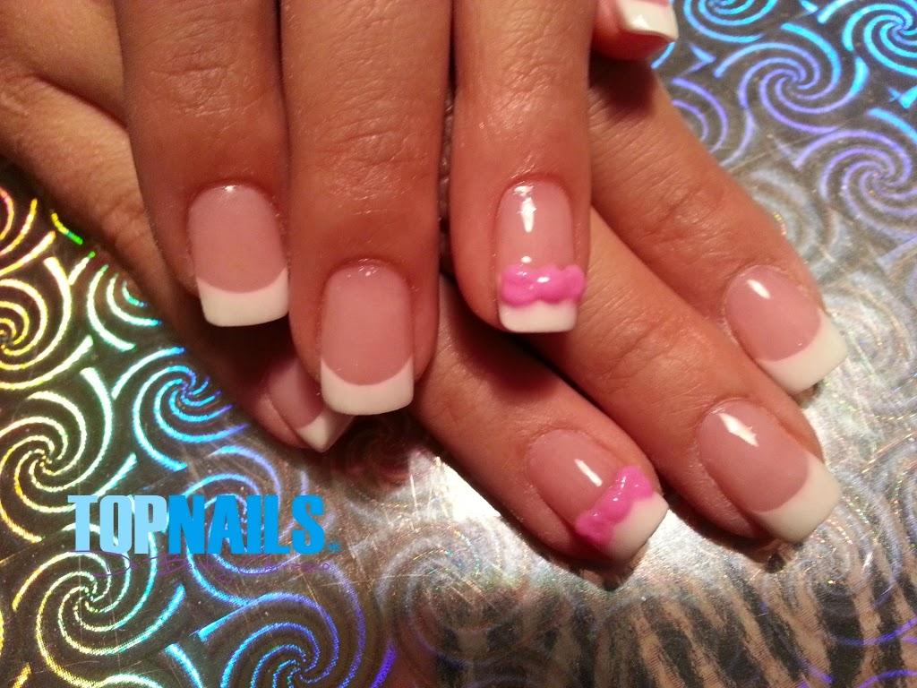 uas acrlicas francesa con decorado en acrlico rosa