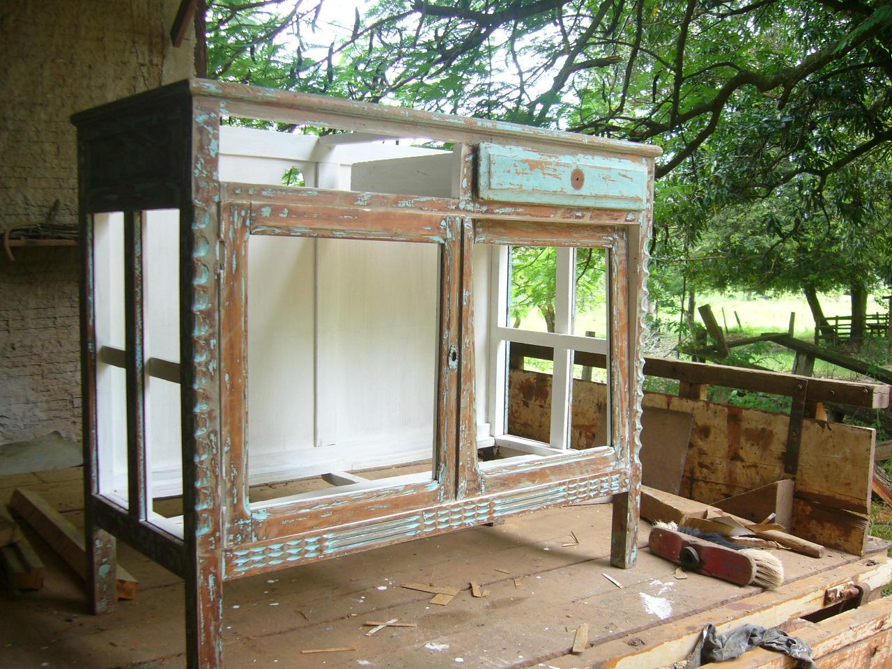 Ana Caldatto : Peças de demolição e móveis antigo uma paixão! #61492B 1280x960 Armario Banheiro Antigo