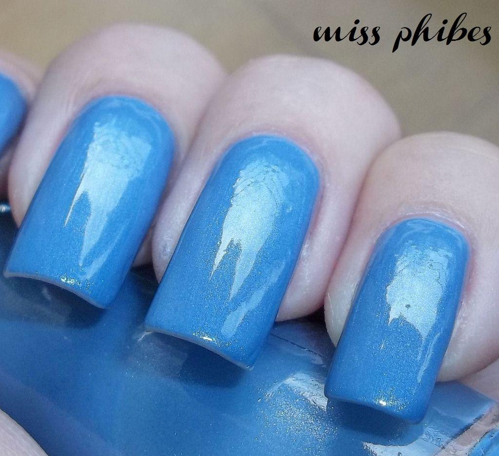 miss phibes.: Avon Color Trend Princesa en fuga