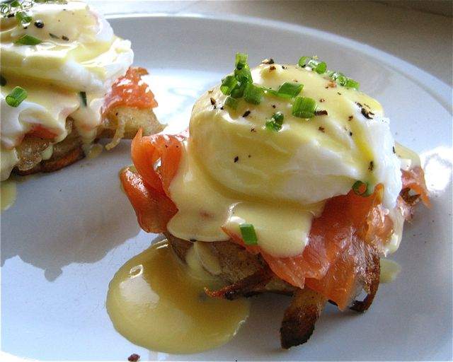 smoked-salmon-eggs-benedict1.jpg