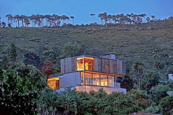Residencia moderna de lineas contemporáneas en Ciudad del Cabo, Sudáfrica