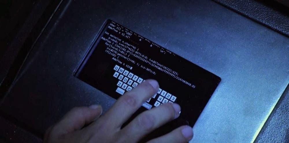 В скоропостижно закрытом сериале «Ангелы Чарли», вышедшем в эфир в 2011 году, сейф взламывают с помощью кода, решающего судоку. Пасхалка для самых внимательных.