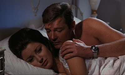 James Bond Roger Moore Live And Let Die Jane Seymour Solitaire