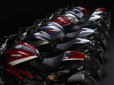 Ducati Motociclo Monster 696 e 796 Immagini