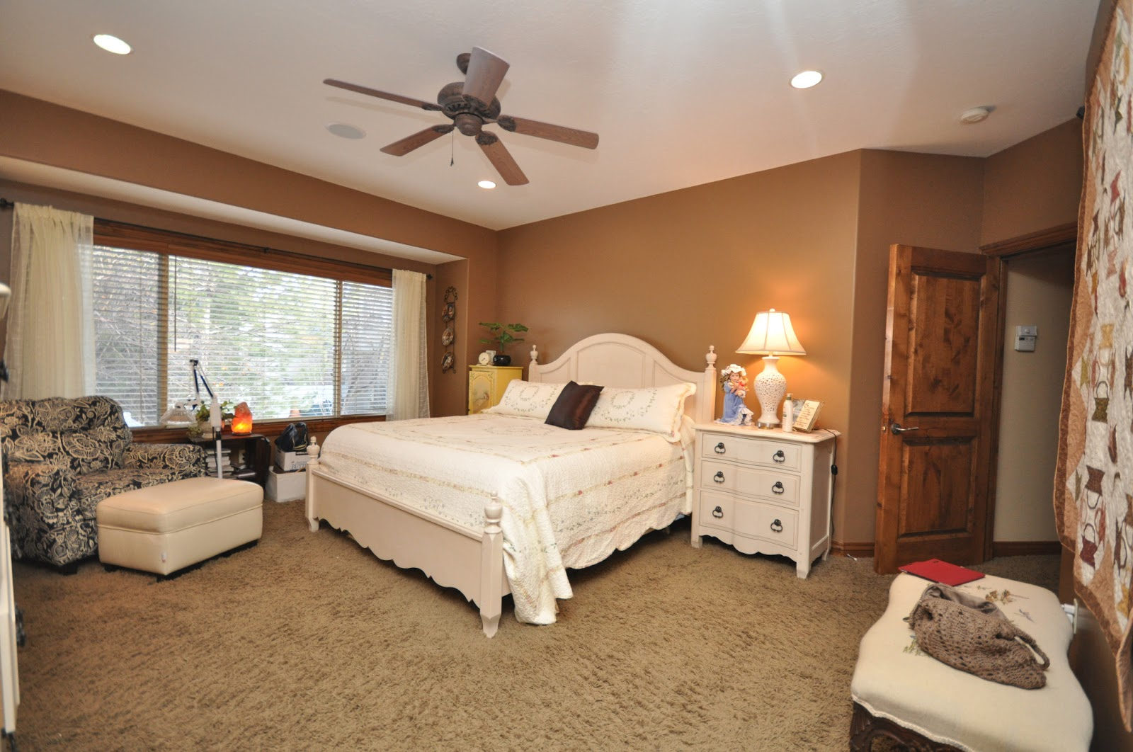 This Charming 3 Bedroom Basement Home In Gated Community In Slc Ut