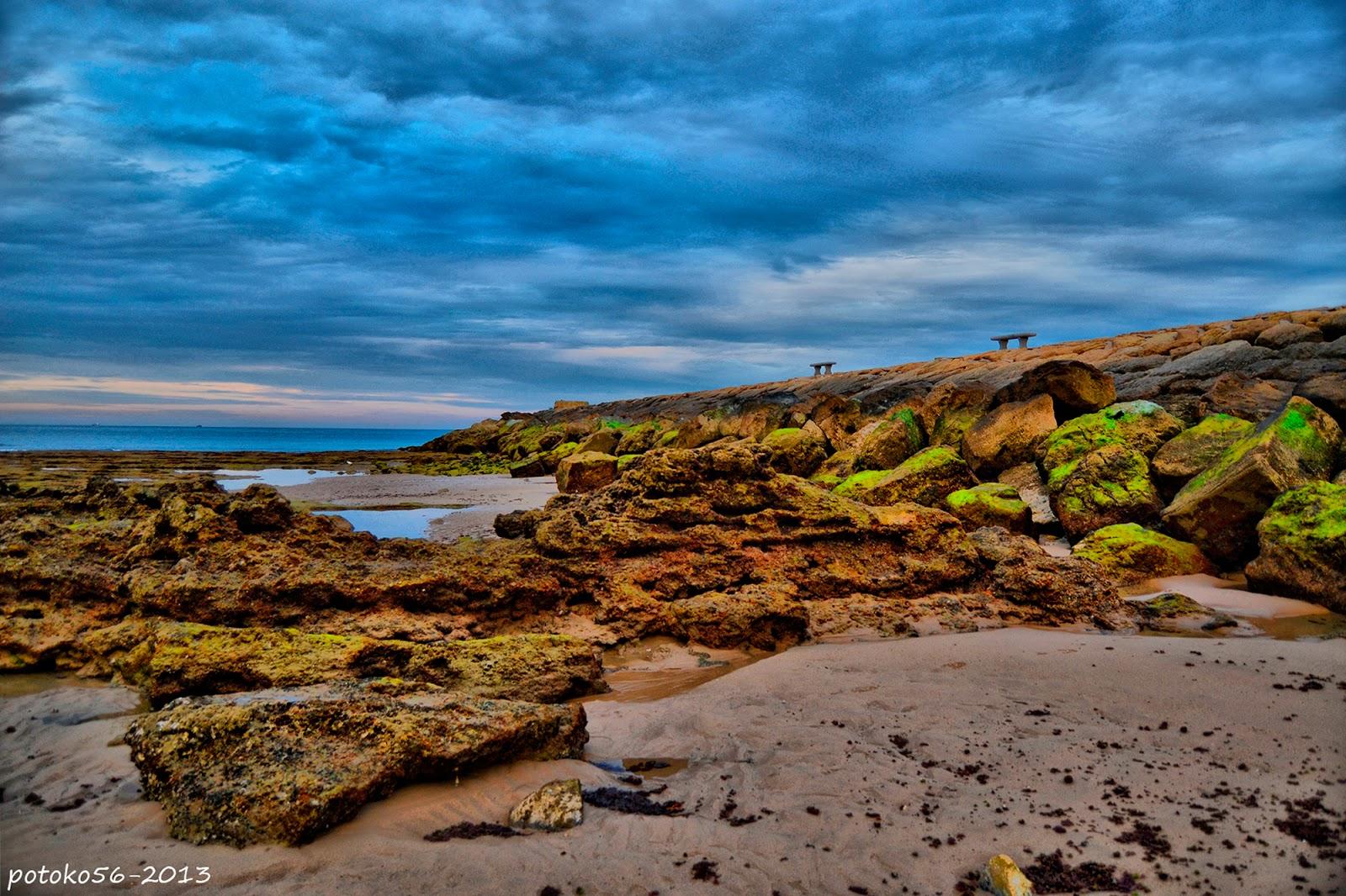 Las Piedras del Espigón en el Muelle de Rota