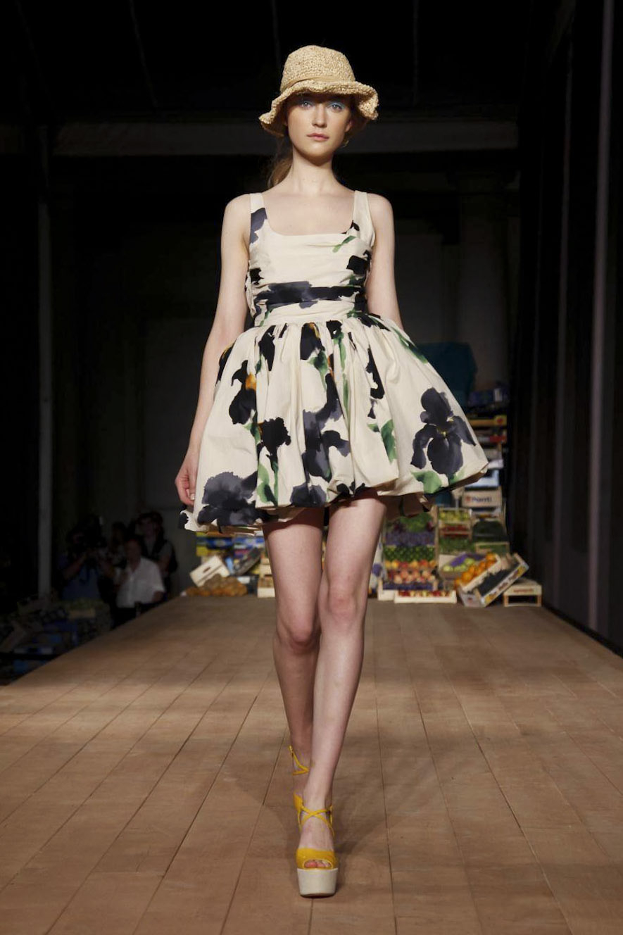 Wonderdolls moschino cheap and chic milan ss2012 Inexpensive chic