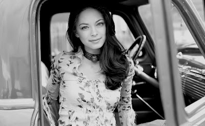 Kristin Kreuk Wallpaper-1600x1200-04