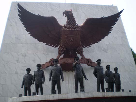 http://2.bp.blogspot.com/-_PJsP5IJymQ/T6i9vdqoB3I/AAAAAAAAAGI/0mImqM_9HOc/s1600/Lubang+Buaya+Jakarta.jpg