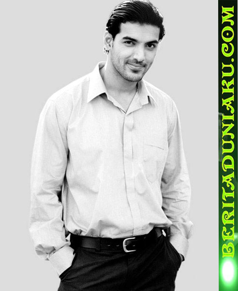 New John Abraham Latest Cool Pictures Standing Up