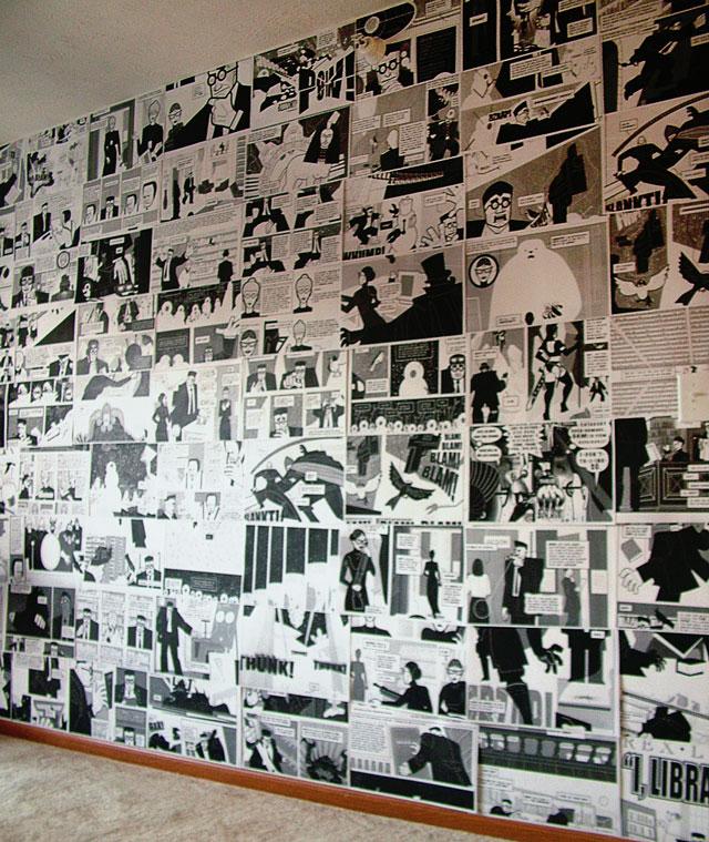 Rebecca 39 s bathroom aunt peaches for Book wallpaper for walls