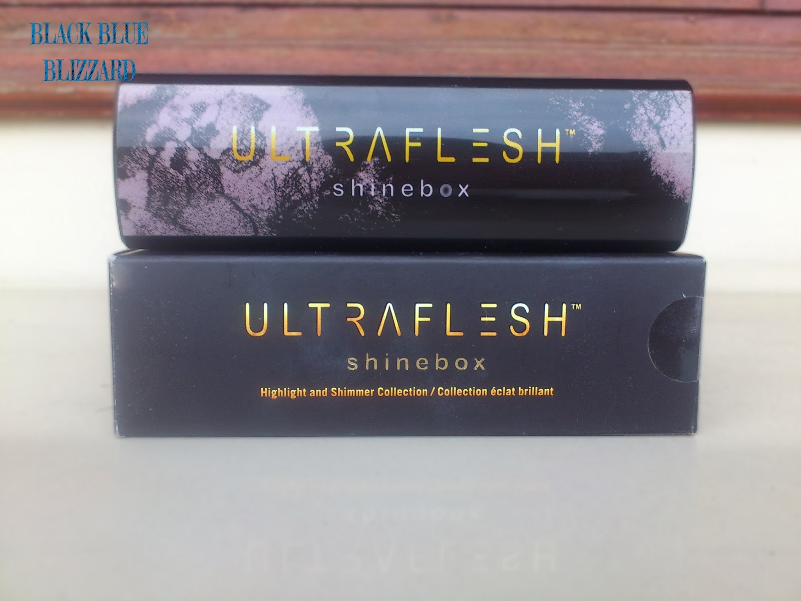 ultraflesh, ultraflesh shinebox, higlighter, shimmer, enhancer, review blogger, strawberyNET