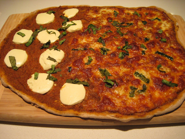 Lexi's Kitchen: ROASTED RED PEPPER AND WALNUT PESTO PIZZA