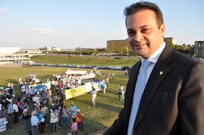 Deputado Federal Roberto de Lucena na Marcha Pela Vida