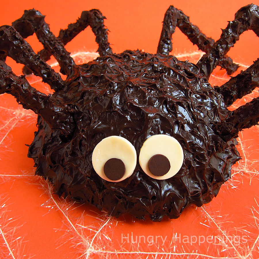 giant cake ball spider - hungry happenings halloween