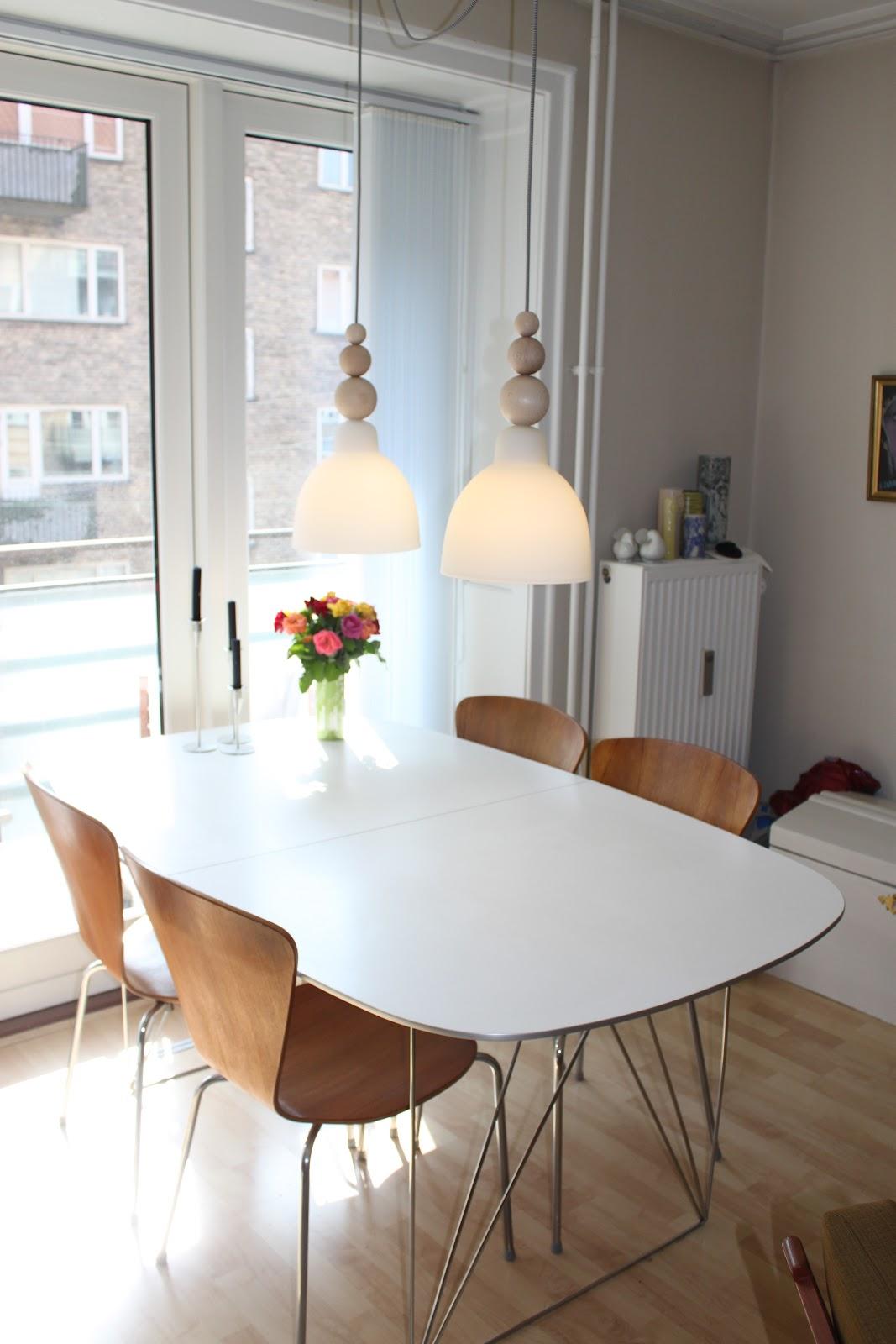 """Frøkenen & baronen: """"nye"""" lamper i stuen"""