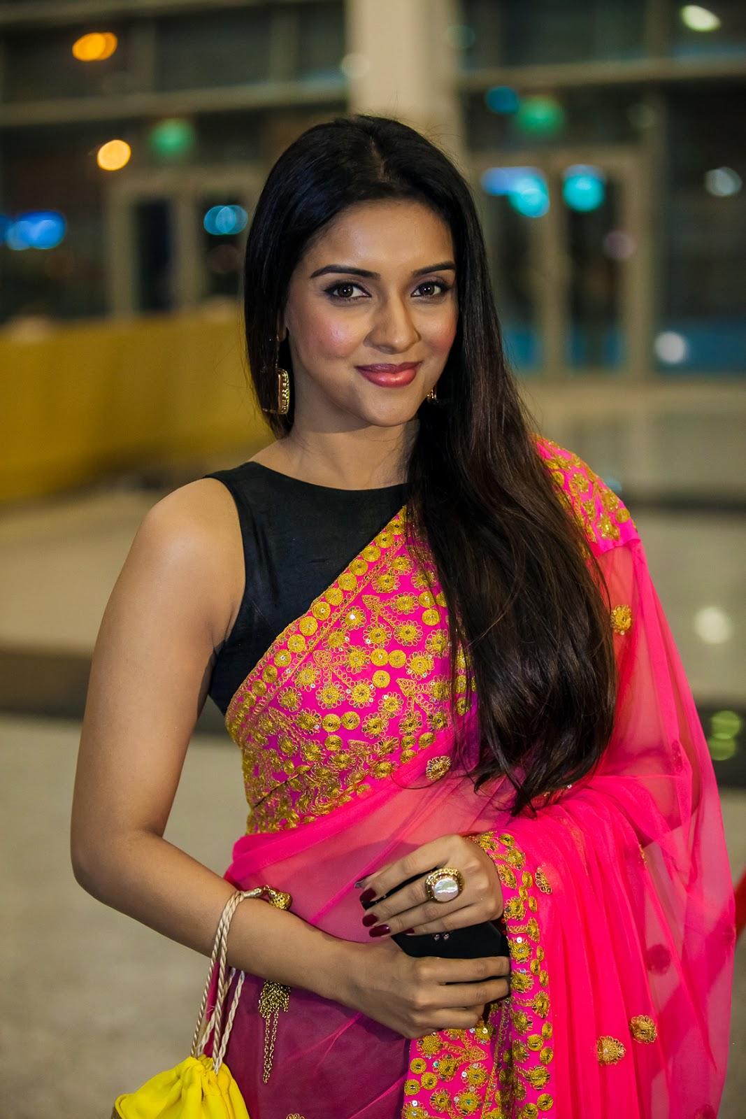 ... Asin in pink saree and black sleeveless blouse at SIIMA Awards 2013