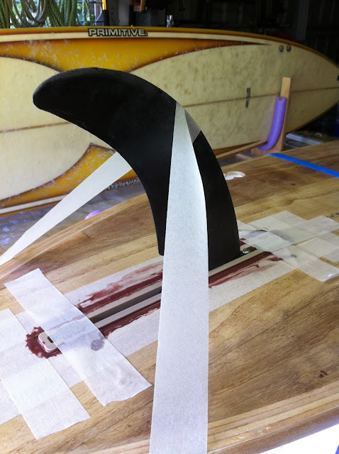 installing surfboard fins