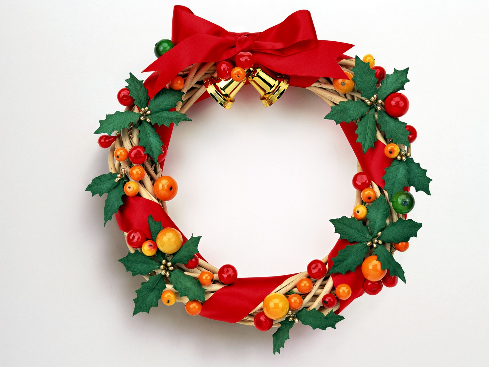 Search more fashion here for Christmas decorations images