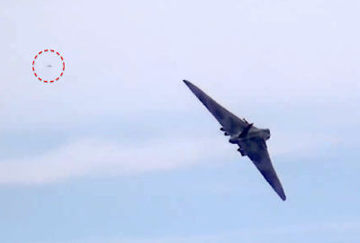 UFO Flies Close To Vulcan Bomber England 2015, UFO Sighting News