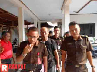 Tersangka Kasus Korupsi Bansos di Subang Ditahan