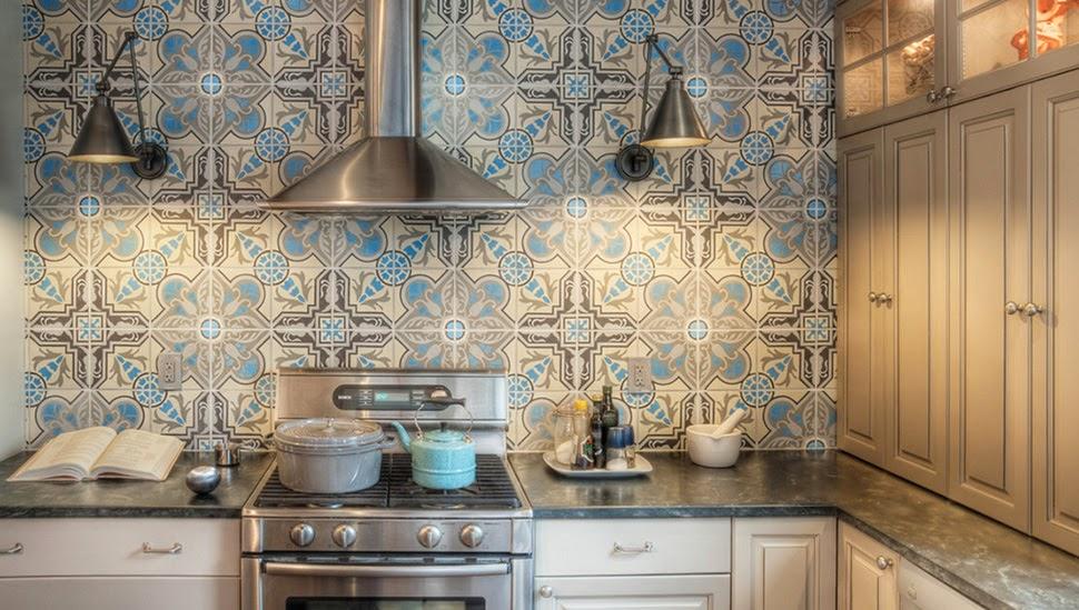 Achterwand Keuken Over Tegels : Vrolijke keukentegels met patroon