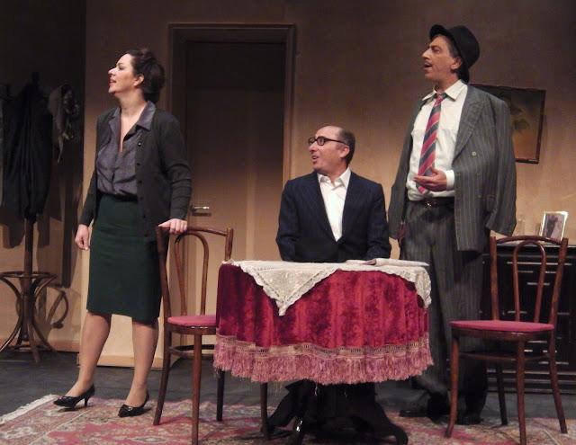 Με νέα διανομή και καλοκαιρινή, αισιόδοξη διάθεση, επιστρέφουν στη σκηνή τα «Μιας Πεντάρας Νιάτα»