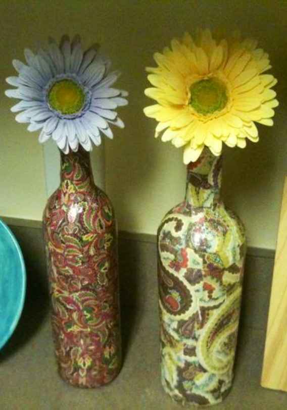 Stop don t throw away those wine bottles wine bottle for Empty bottle craft