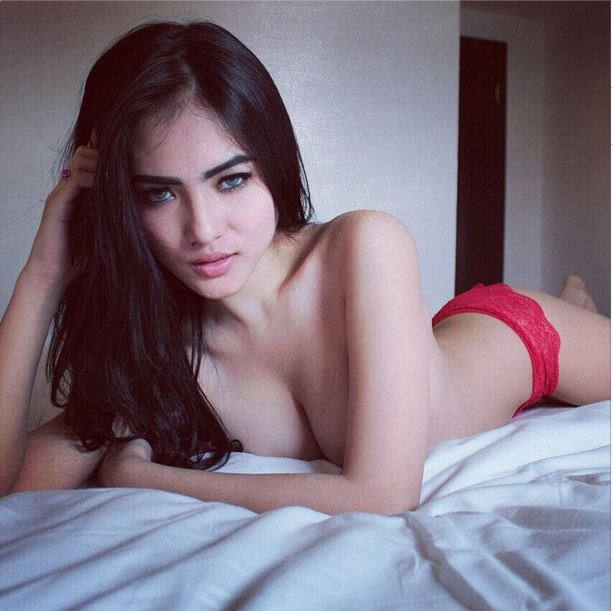 indonesia model topless