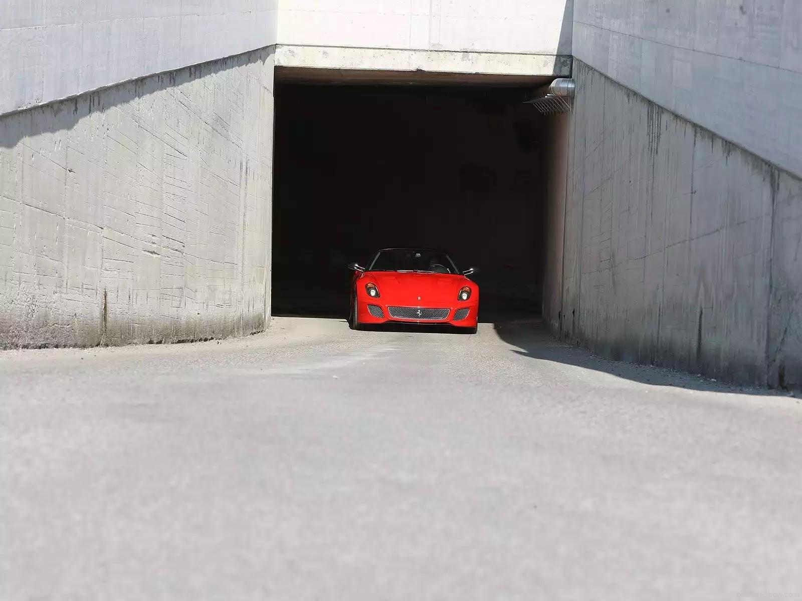 Hình ảnh siêu xe Ferrari 599 GTO 2011 & nội ngoại thất