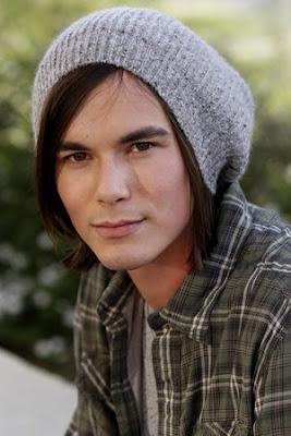 actores de television Tyler Blackburn