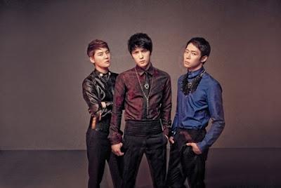 KBS, una vez más niega la aparición de JYJ en 'Music Bank'  20111014_jyj_1