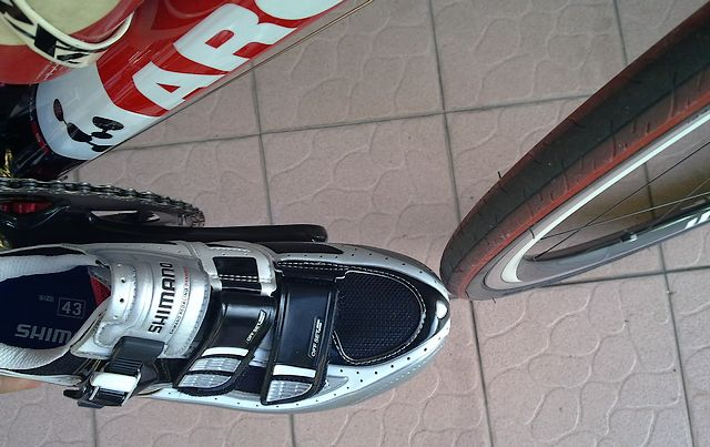 Look KeO pedal and Shimano R132 Shoes