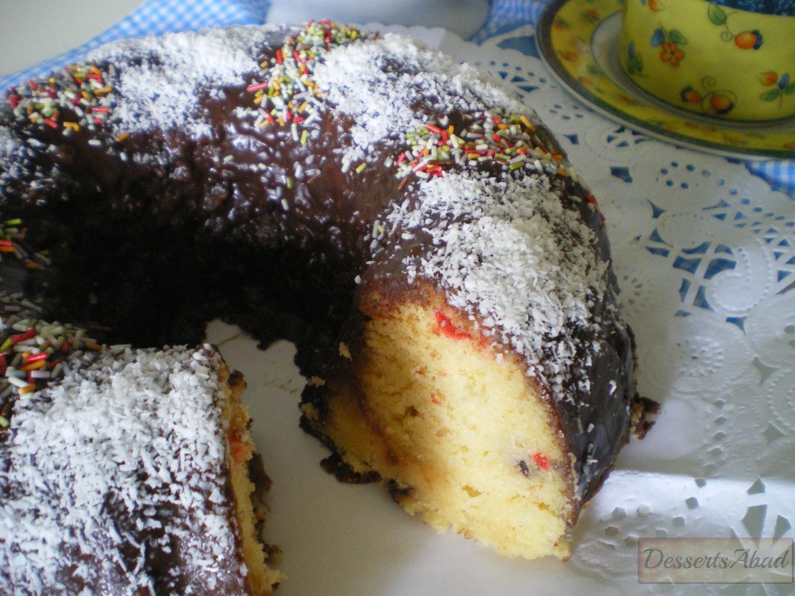 Corona de chocolate con guindas y pasas al kirsch